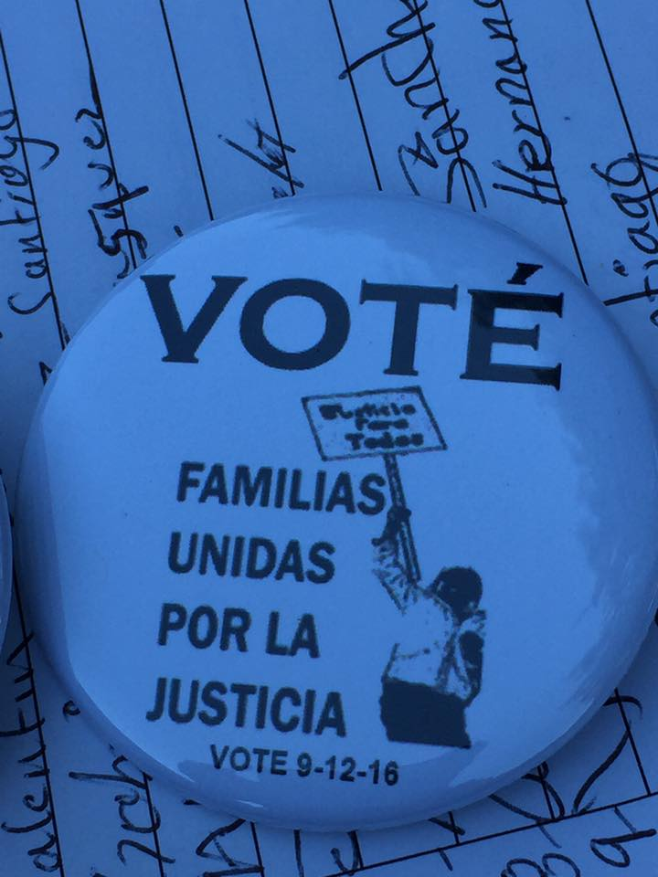 I voted for Familias button